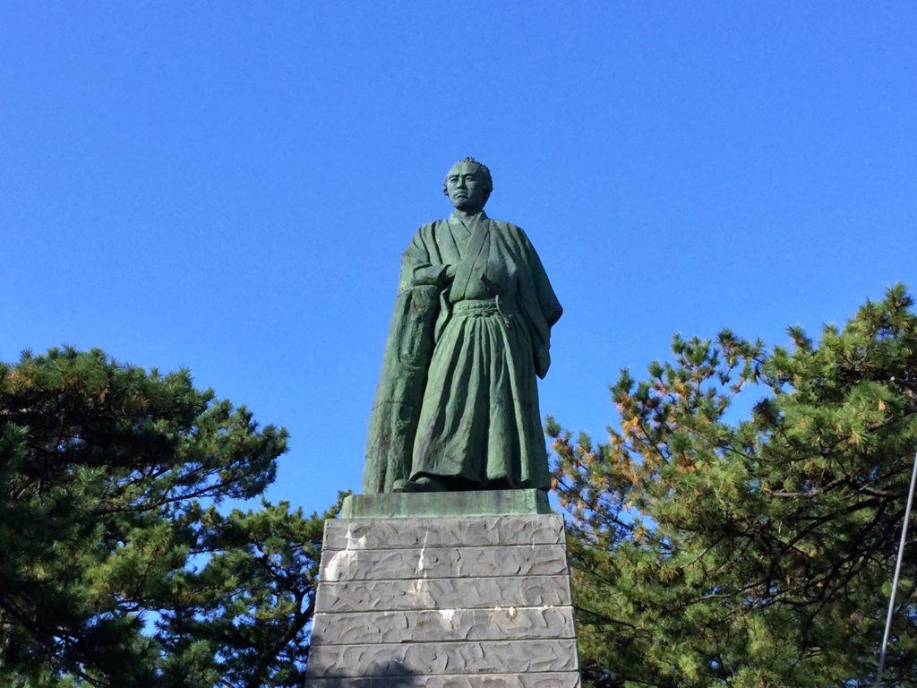 桂浜の龍馬像の写真